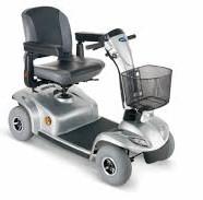 Diferencias entre una silla eléctrica y una Scooter. Ortopedia Plantia de Donostia-San Sebastián