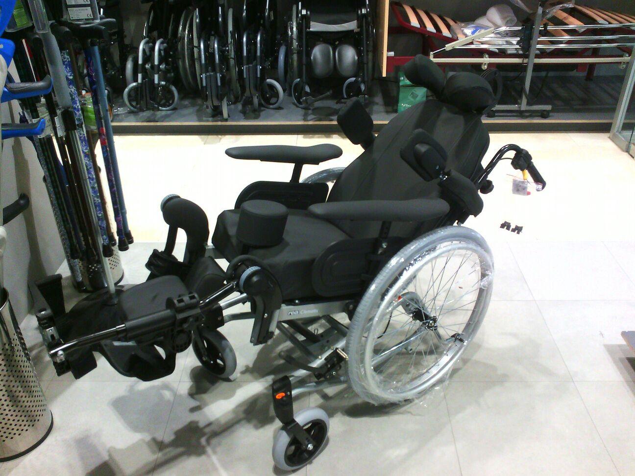 Silla de ruedas posicionadora rea clematis en ortopedia plantia de donostia san sebasti n - Reposacabezas silla de ruedas ...