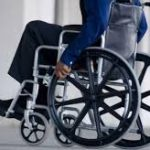 Aspectos básicos para elegir bien una silla de ruedas manual en Ortopedia Plantia de Donostia-San Sebastián