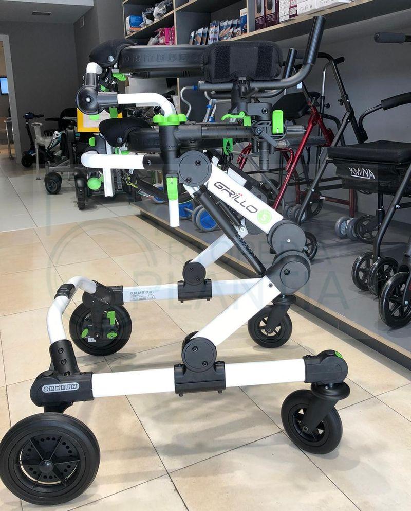 Andador y estabilizador Grillo, estabilidad y seguridad máximas con regulación en altura, disponible en Ortopedia Plantia de Donostia - San Sebastián